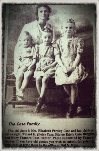 Shirley Edith Case Girl in middle About 1943